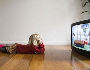 parenting_plan_7_child_watching_tv_18itbe8-18itbfr